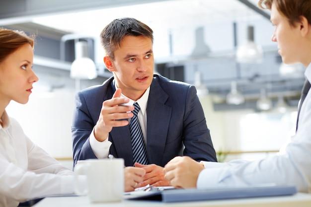 Executive-verhandlungen mit den mitarbeitern