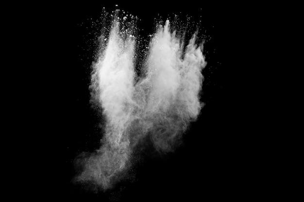 Explosionswolken aus weißem pulver