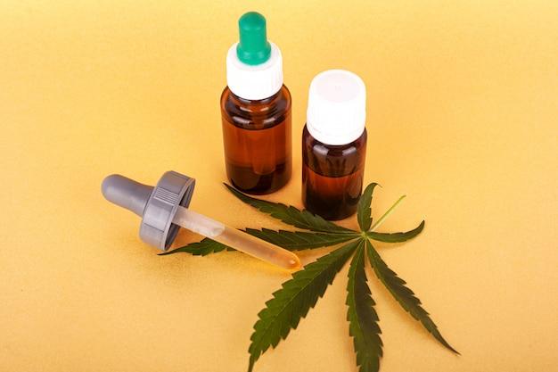 Extrahieren sie medizinisches cannabisöl, kräuterelixier und natürliches heilmittel gegen stress und krankheiten. usa medizin.