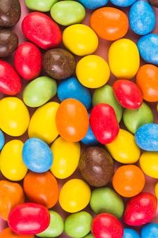 Extreme nahaufnahme von süßen bunten süßigkeiten