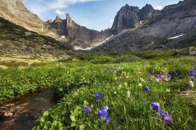 Fabelhafte berge und seen
