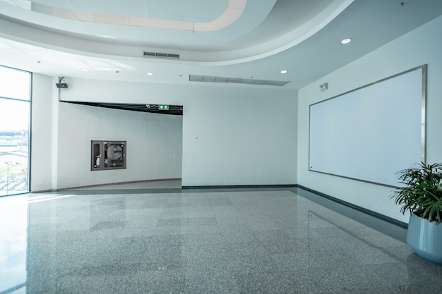 Fabric pop up grundeinheit werbebanner media display hintergrund, leeren hintergrund