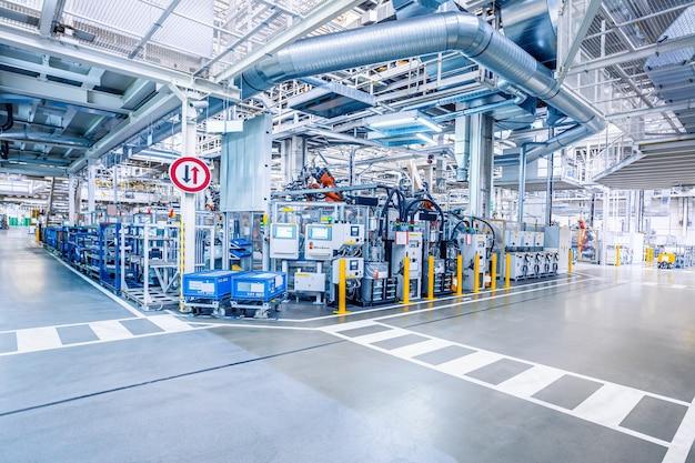 Fabrikinnenraum als industriekonzept