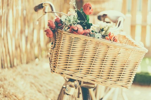 Fahrrad mit weidenkorb