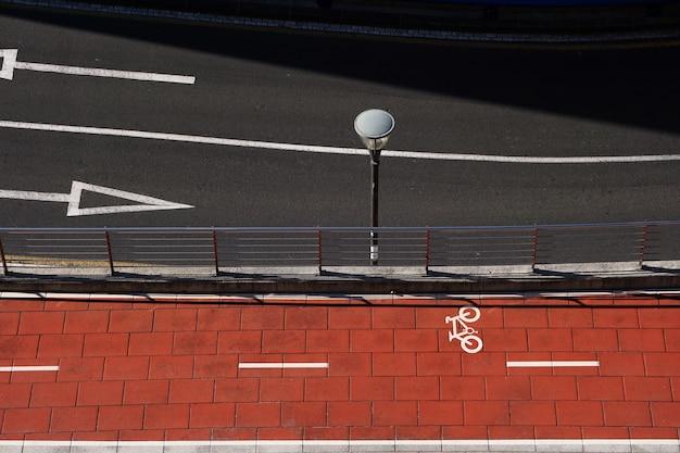 Fahrradverkehrssignal auf der straße in bilbao stadt spanien