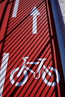 Fahrradverkehrssignal auf der straße