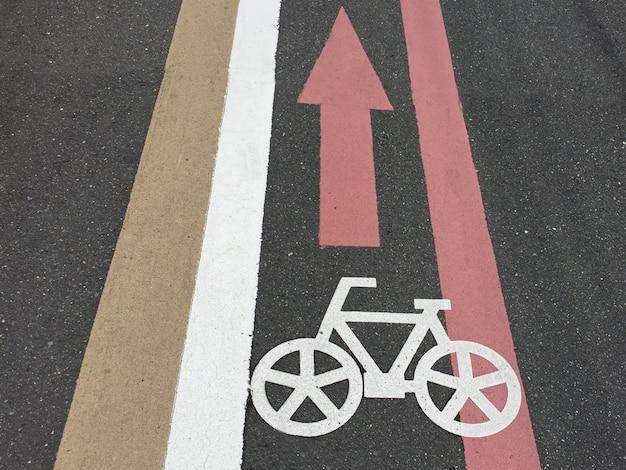 Fahrradwege und fahrradweg-symbol