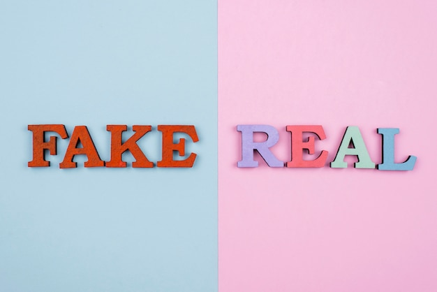Fake oder real news konzept draufsicht