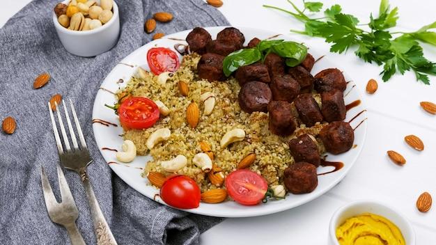 Falafel-bulgur und gemüse