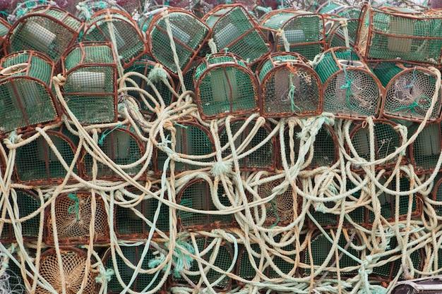 Fallen für tintenfische gestapelt
