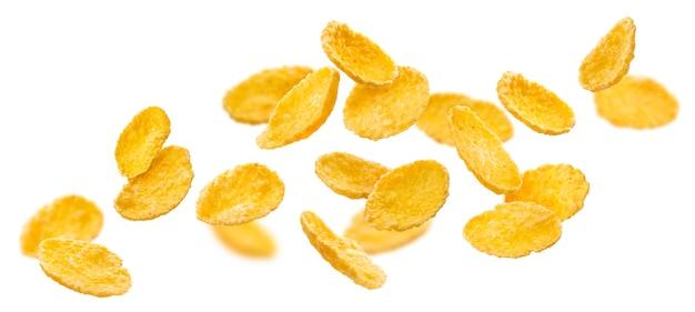 Fallende cornflakes isoliert auf weiß