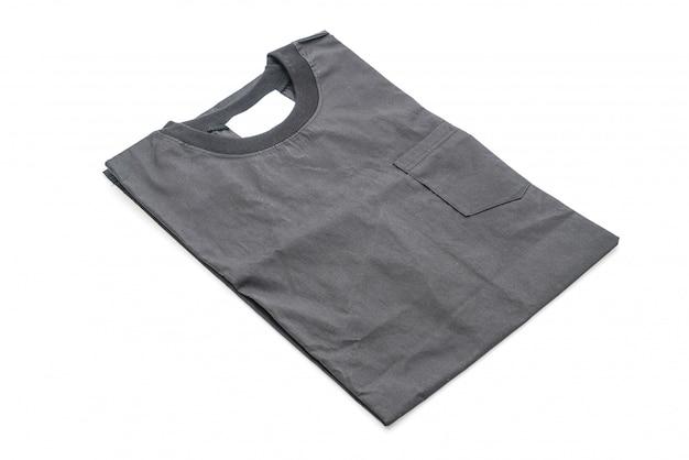 Falte shirt isoliert