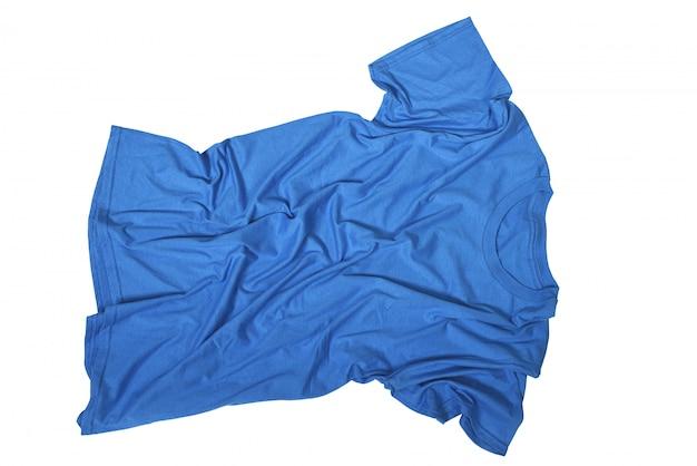 Falten auf unordentlichem blauem hemd