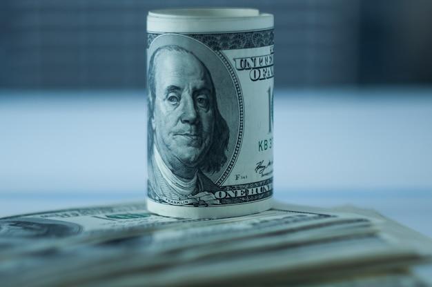 Faltung der konfessionen von einhundert us-dollar