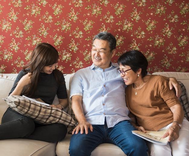 Familie, die beiläufige zuneigung beziehung bindet