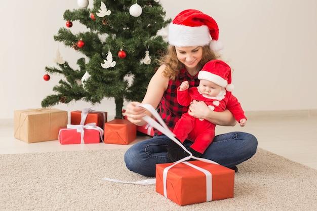 Familien-, kindheits- und weihnachtskonzept