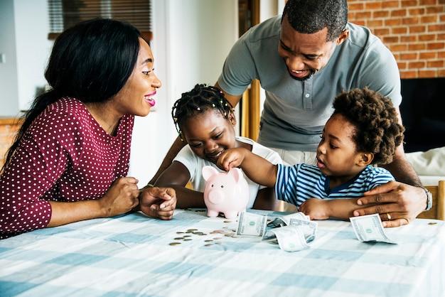 Familienspargeld im sparschwein