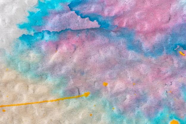 Farbe farbenreich auf papierhintergrund
