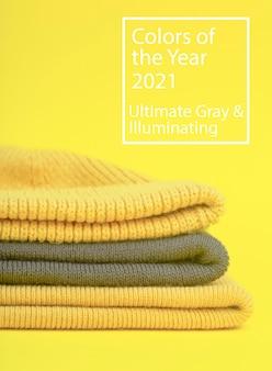 Farben des jahres 2021 ultimate grey und illuminating yellow. kleidung in den farben des jahres