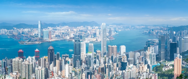 Farbige bilder in modernen bürogebäuden in der innenstadt von hong kong