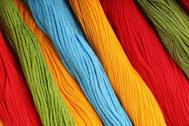 Farbige fäden für stickhintergrund