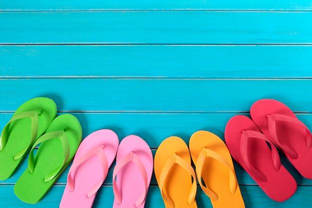 Farbige flip-flops kollektion