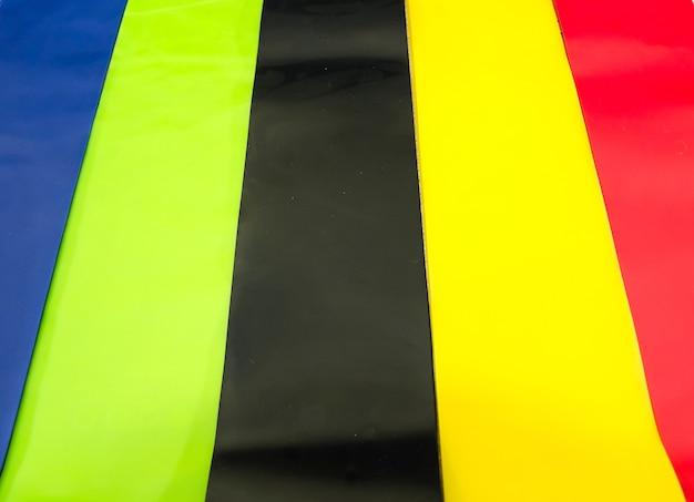 Farbige gummibänder für fitness