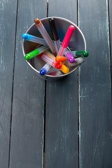 Farbige markierungsstifte