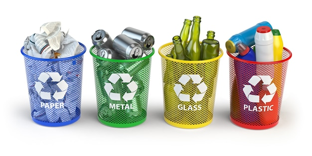 Farbige mülleimer für recyclingpapier, kunststoff, glas und metall