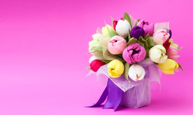 Farbiger strauß tulpenblumen aus papier