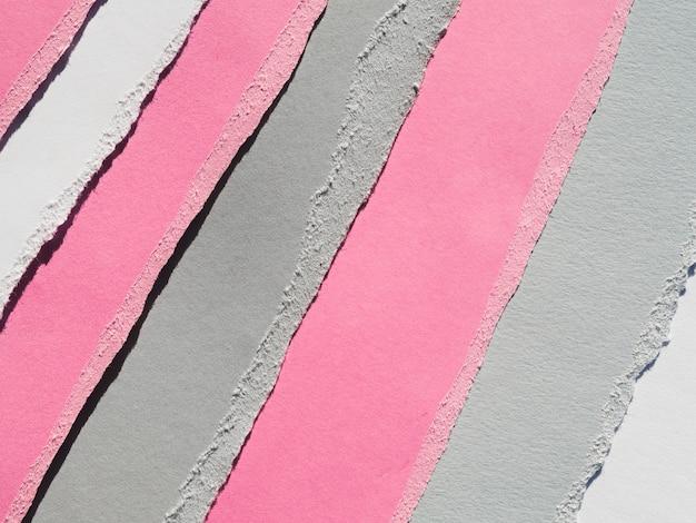 Farbiges papier zerrissen