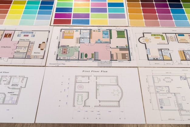 Farbpaletten mit verschiedenen hausprojekten nahaufnahme