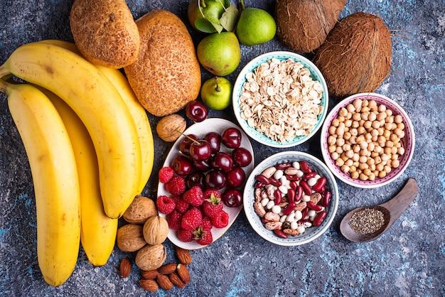 Faserreiche produkte. gesunde ernährung
