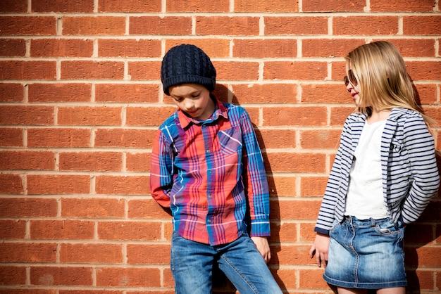 Fashionista-mädchen-jungen-kind-entzückendes nettes konzept