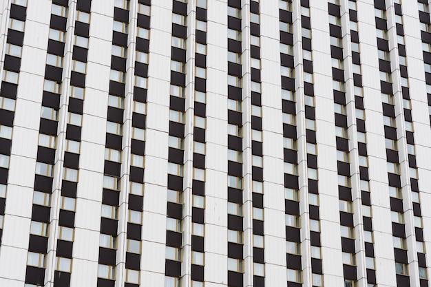 Fassade eines modernen wolkenkratzers