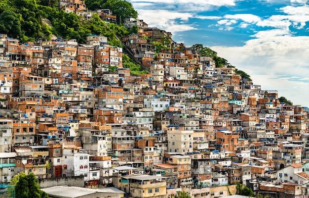 Favela cantagalo in rio de janeiro, brasilien