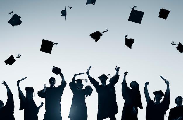 Feier-bildungs-staffelungs-studenten-erfolg, der konzept lernt