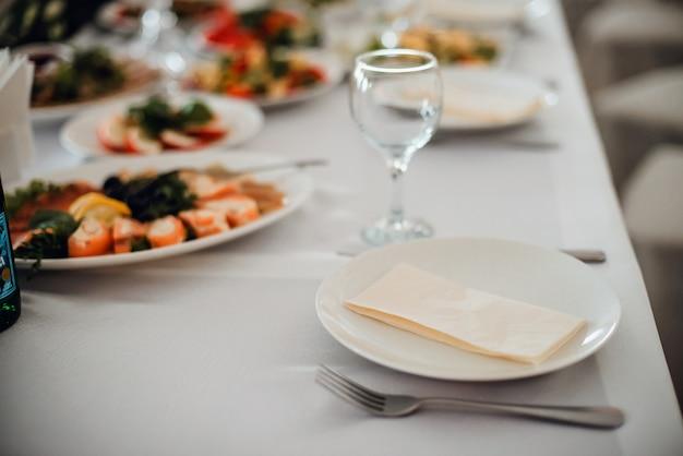 Feierdekorationen auf hochzeit restaurant im im freien