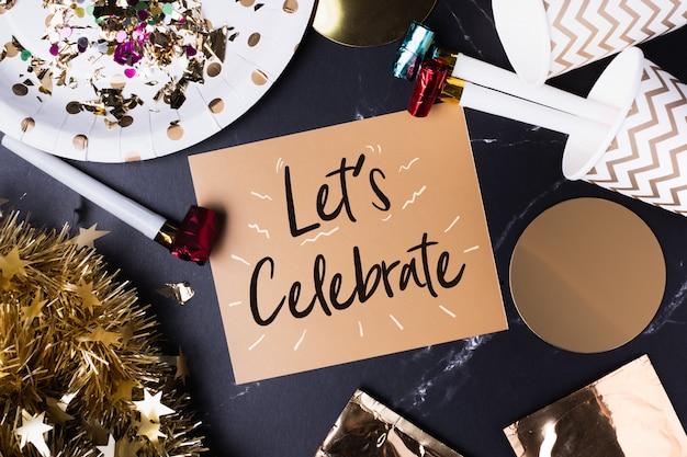 Feiern (handschrift) auf grußkarte mit party-cup