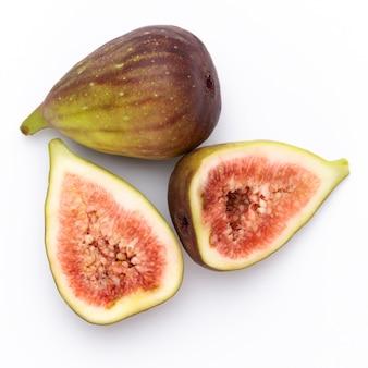 Feigenfrüchte isoliert auf weiß. draufsicht.