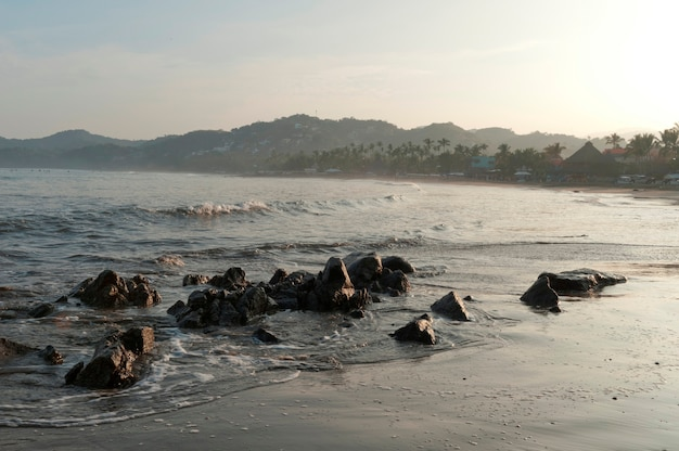 Felsen am strand, sayulita, nayarit, mexiko