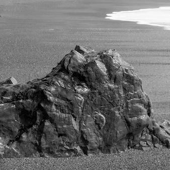 Felsformation auf strand, pazifische rand-nationalpark-reserve, tofino, vancouver island, britisch columb