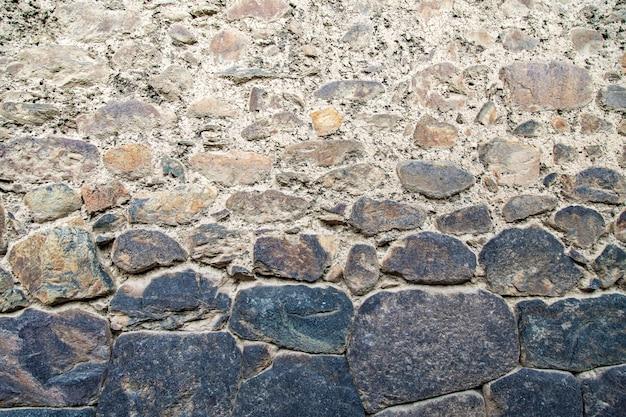 Felswand perus, ollantaytambo, pinkulluna-inkaruinen im heiligen tal in den peruanischen anden.