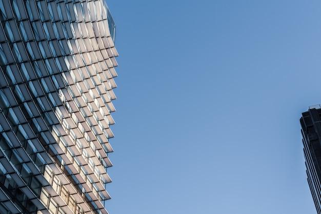 Fenster des modernen architekturgebäudes