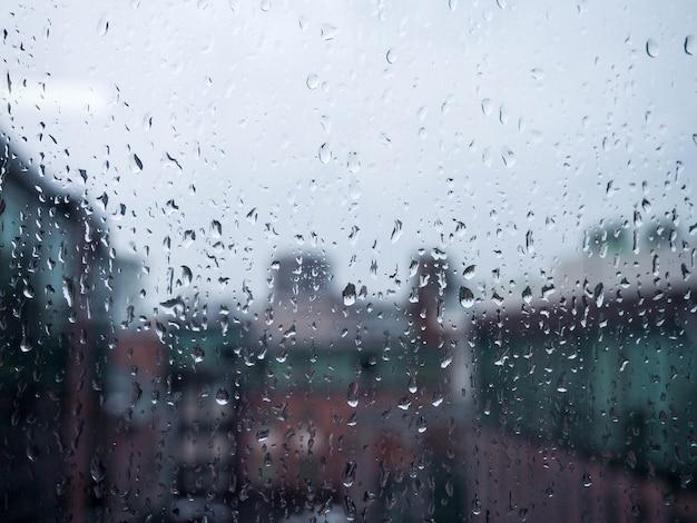 Fenster in der regenstadt