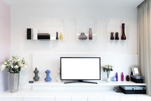Fernsehapparat und regal im wohnzimmer zeitgenössischer stil.