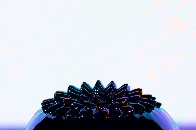 Ferromagnetisches flüssiges metall mit kopienraum
