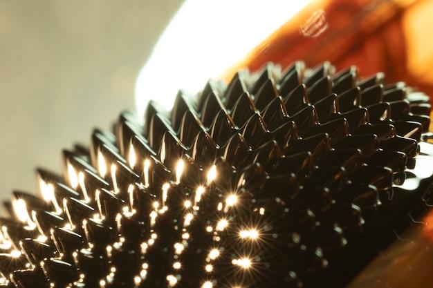 Ferromagnetisches metall der nahaufnahme