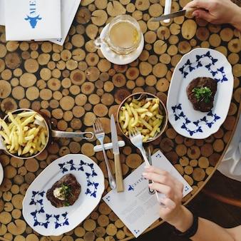 Fest im grillrestaurant