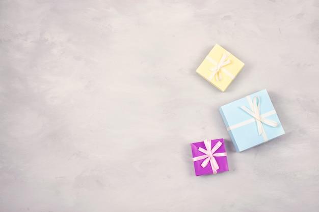 Festlich, geburtstag, minimaler hintergrund des geschenkpastells